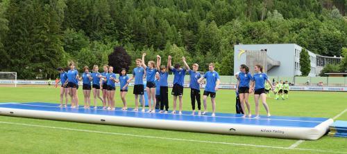 Akrobatikshow Finalspiele Sparkasse Schülerliga Fußball